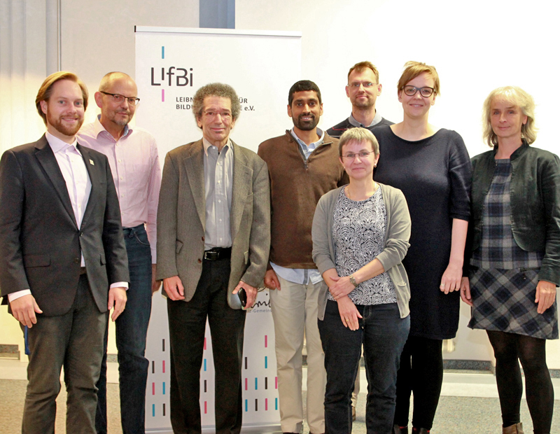 Vice President David Osher (AIR, third from left) and Senior Data Scientist Sanjay Arora (AIR, fifth from right) together with members of the executive level of the Leibniz Institute for Educational Trajectories (LIfBi).