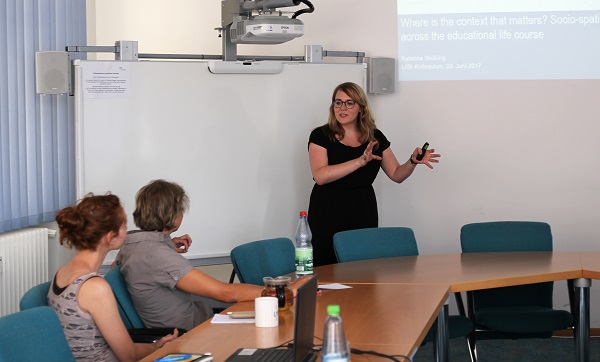 Dr. Katarina Weßling talks about context effects at educational transitions at the Leibniz Institute for Educational Trajectories (LIfBi).